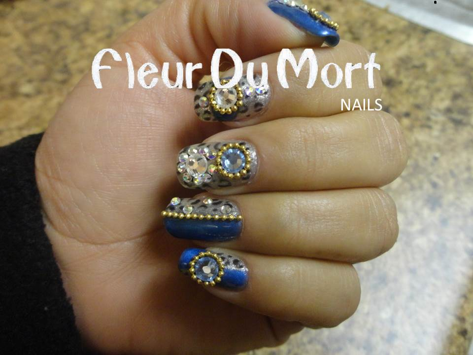 Cursos de u as en san bernardino california isa nails for Unas con piedras swarovski